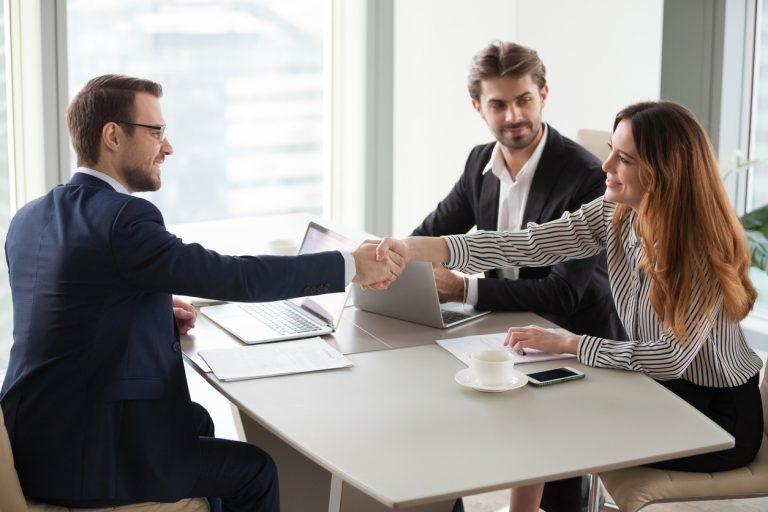 Hai difficoltà nel calcolo dell'indennità di fine mandato degli agenti?